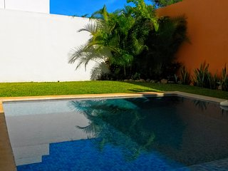 3 bed house in complex with cooling pool and BBQ, Merida