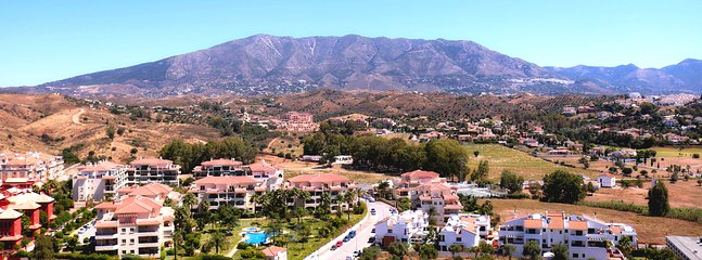 Balcony views on a typically sunny day in La Cala Hills .... Enjoy the majesty of Mijas!