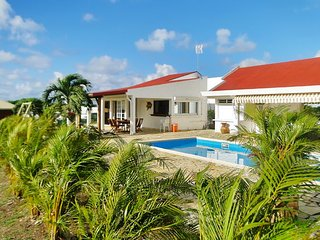 Tropical house 3km from the beach, Saint Francois