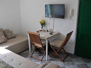 Apartman Larisa, Stomorska