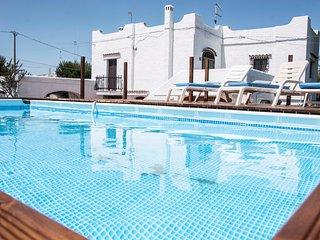 Villa con Piscina direttamente sul Mare, Mola di Bari