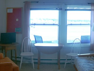 Shortsands Beachfront Apartment, York Beach