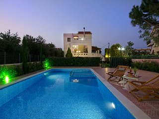 Luxurious villa in green nature, Almyrida