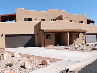 SG3 | ROOM FOR EVERYONE IN THIS UPSCALE MOAB CONDO, Moab