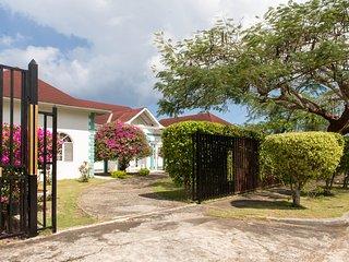 Diamond Villa - 1 Queen Room, Montego Bay
