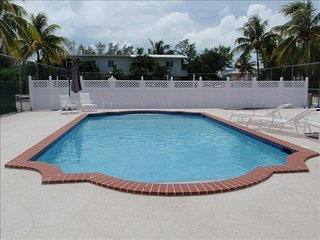 Beautiful Key Largo Oceanside Townhouse (Free WiFi