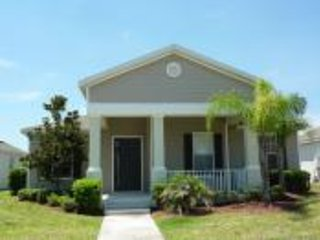 Fabulous 4 bedroomed 4 bath villa with pool, Kissimmee