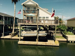 Less Than 2 Miles to the Beach/Pet Friendly, Galveston