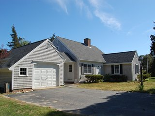 2 Cove Rd - Walking Distance to Grand Cove-ID#825