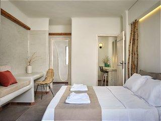 Casa Di Mare, Pori, Santorini, accommodates 5!, Imerovigli