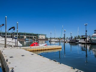 Tahoe Keys Marina View - Boat Slip, On Water, Near Pool/Hot Tub, South Lake Tahoe