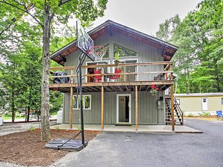 Lincoln Home w/Loon Mountain Views- Mins to Skiing