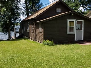 Lake Front Cottage - Canadargo Lake