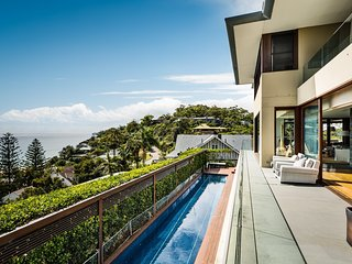 Palm Beach Villa with Spectacular View and Pool, Collaroy Beach