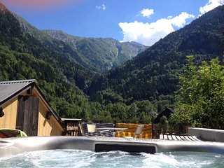 Chalet Chardon 2 Bedroom, Hot Tub, Wood Burner, Les 2 Alpes