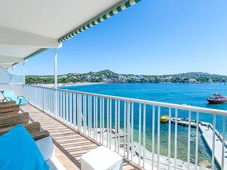 First sea line apartment Santa Ponsa