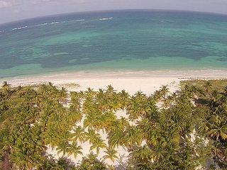 "Tulum, Sian Ka'an, 6 bdr ""Casa Camara"" Beachfront!"