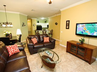 Water Views|Professionally Upgraded Townhouse, Kissimmee