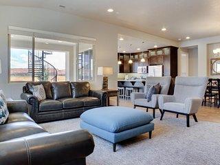 New home in resort community - private pool/hot tub & more!, Santa Clara