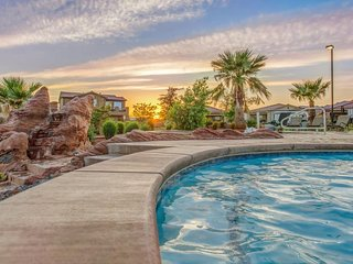 Brand new home with access to shared swimming pools and a 20-person hot tub!, Santa Clara