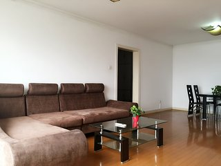 3bedroom apartment right next to Wangjing subway