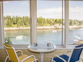 LONGVIEW ON PIG COVE | SOUTHPORT, MAINE | PET FRIENDLY | PRIVATE | DEEPWATER DOCK AND FLOAT | SPECTACULAR OCEAN VIEWS | COTTAGE CONNECTION OF MAINE |, Capitol Island