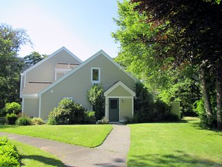 New to Market! Beautiful Cape Cod Townhouse, Brewster