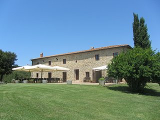 9 bedroom Villa in Sassetta, Coast of the Etruscans, Tuscany, Italy : ref 2383089