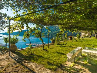 PORTOVENERE CASTLE VILLA WITH GARDEN AND SEA VIEW