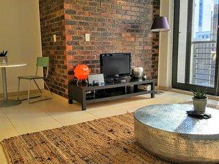 Convenient CBD Apartment Close To CTICC, Cape Town