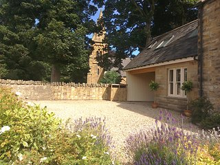 NEW 4 Star, GOLD Award Holiday Cottage near beach, Berwick upon Tweed