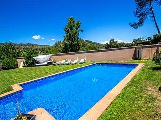 Five-bedroom villa in Can Vinyals, nestled in the hills between Barcelona and