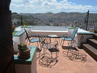 Spectacular View short walk from center, Guanajuato