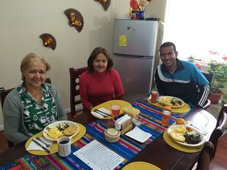 Colmenares Homestay sharing Love and Rich Culture, Cuenca