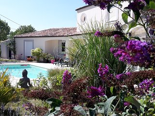 Villa de standing , piscine, proche Carcassonne