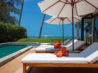 Stylish beachfront 2 bedroom villa, Koh Samui