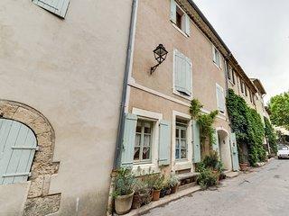 Charmante maison de village avec WIFI, Saignon