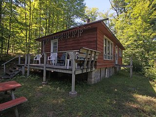 Oastler Lake 2 cottage (#1005), Parry Sound