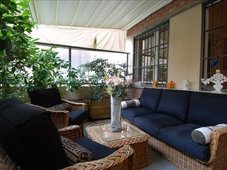 Modern 1bdr with nice terrace, Bolonia