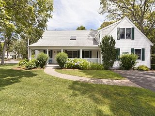 RENT A BEAUTIFUL HOME CLOSE TO THE WATER ON A NIGHTLY BASIS!, West Yarmouth