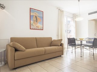 Modern 1bdr with lovely terrace, Milão