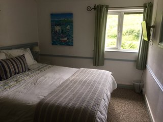 Kingsize bedroom, The Ryder holiday apartment, Polperro