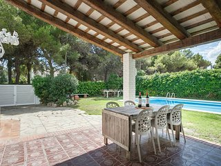 Terramar Beach 2, Renovated Villa near the Sea, Sitges