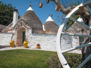 I TRULLI DORO with pool, Castellana Grotte