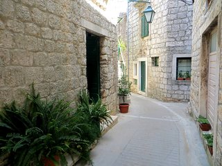 Full Equipped Studio Ap.-Quiet Center!, Stari Grad