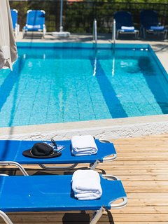 Sunbathing area by the pool