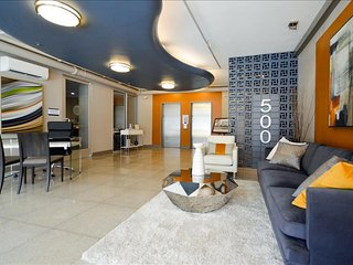 Music City Downtown Nashville! Deluxe Studio Condo w/ Roof Top Pool! BOOK NOW!
