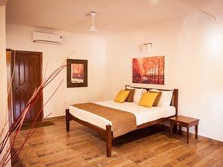 Goa Holiday Villas - Colonial Jacuzzi Villa, Sinquerim
