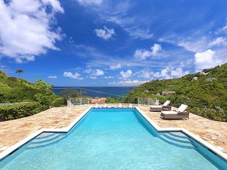 Villa Hall, Sleeps 12, Cap Estate