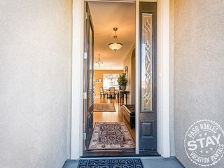 Villa Robles--Incredible Views Minutes from Heart of Downtown Paso Robles!